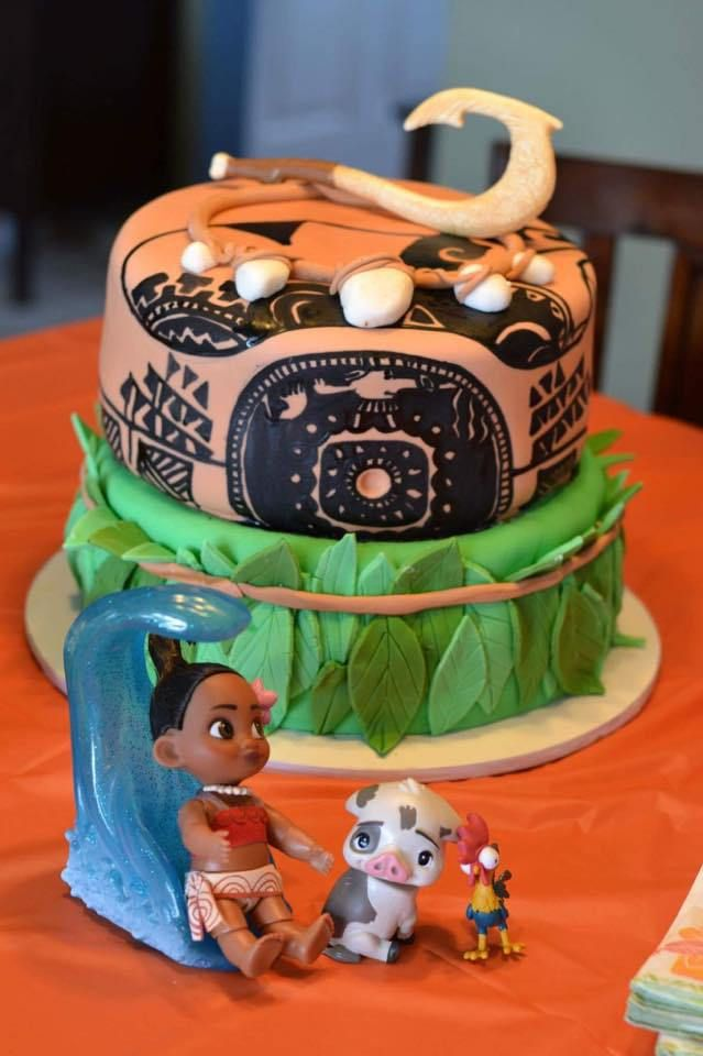 Moana And Maui Themed Birthday Cake For A Little Girl Bottom Layer