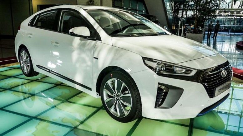 Hyundai Ioniq Specs Released Including Range And Battery Size Electric Vehicle Cars