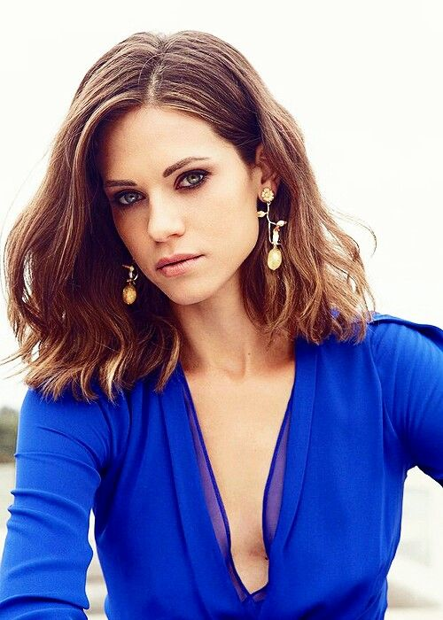 braless Lyndsy Fonseca naked photo 2017