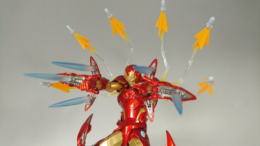 Marvel Amazing Yamaguchi Revoltech Bleeding Edge Iron Man Figure In Hand Images Iron Man Hand Images Marvel Iron Man