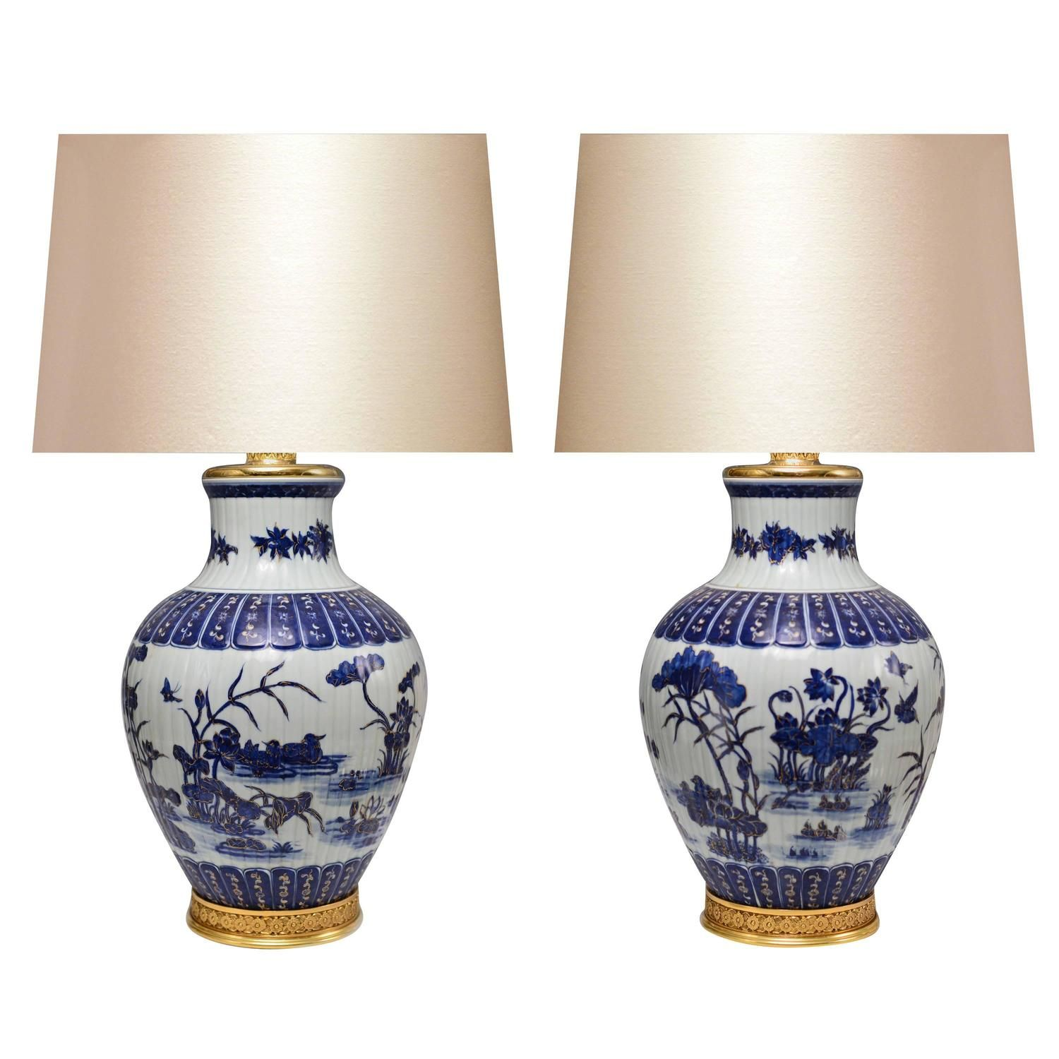 Pair Of Blue And White Porcelain Lamps In 2020 Porcelain Lamp White Porcelain Lamp
