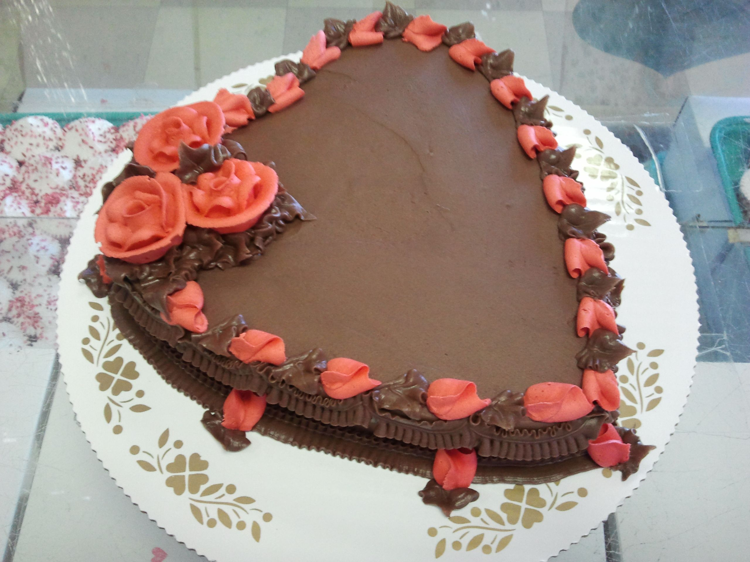 9 1 layer heart shaped cake with red buttercream roses in. Black Bedroom Furniture Sets. Home Design Ideas