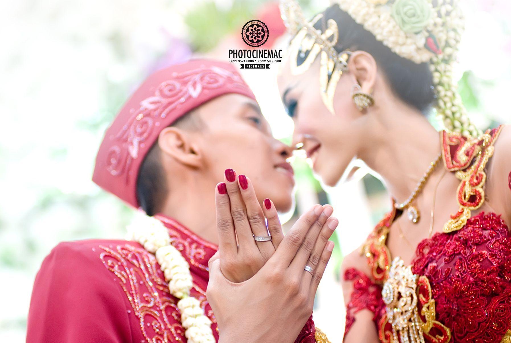 Pakaian Adat Pernikahan Jawa Tengah
