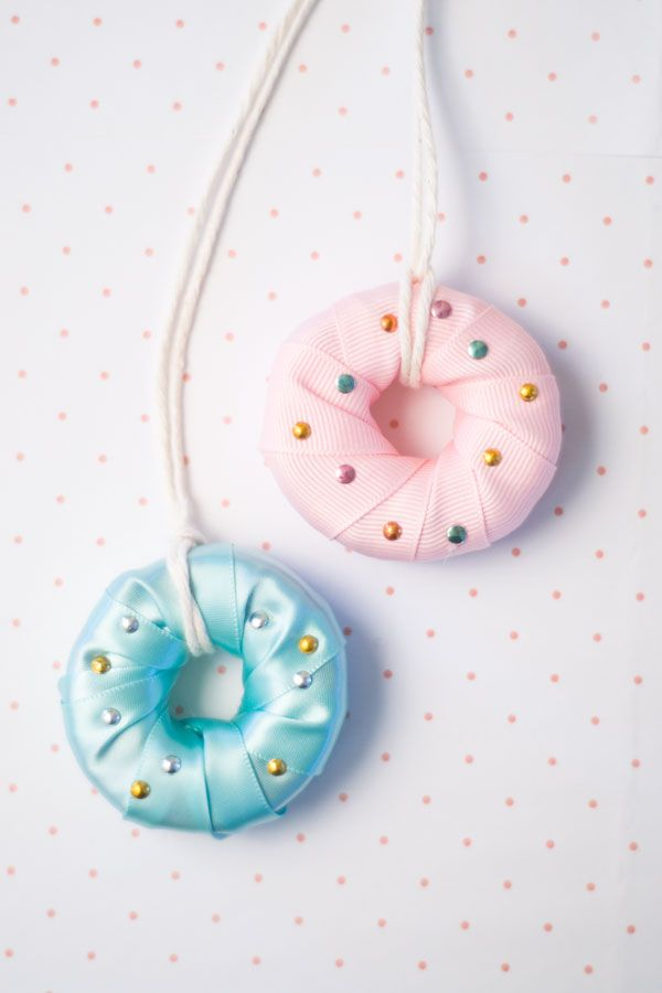 DIY Kids Jewelry donut necklaces made from sliced pool