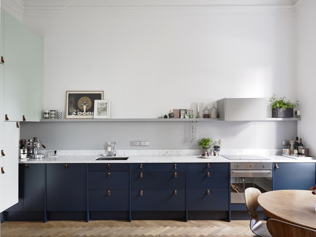 Küchendesign grün la tentation duune cuisine bleue  wohnideen  pinterest  ladenbau