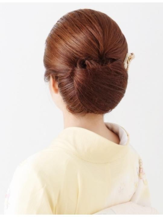 オールバックのヘアスタイルまとめ 訪問着 留袖などをちょっと粋な