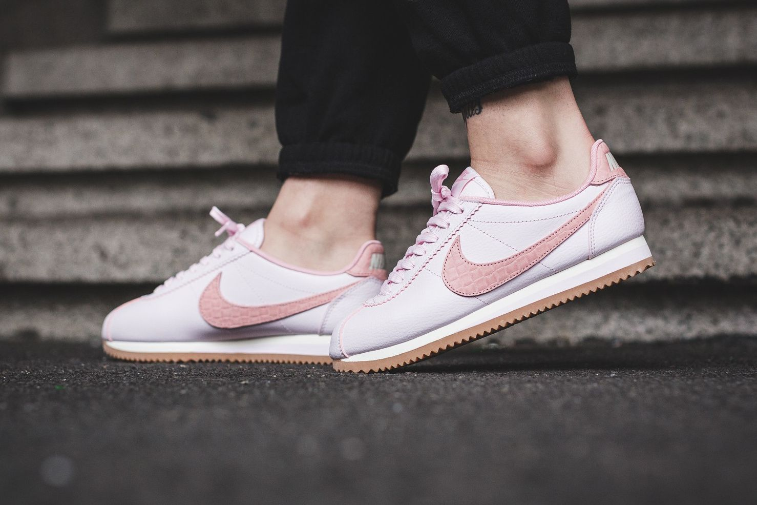 on sale c24f5 5d9c5 Nike Classic Cortez Leather Pearl Pink