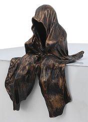 """Manfred Kielnhofer: Figur """"Mini Wächter"""" (2012), bronzelackierte Version"""