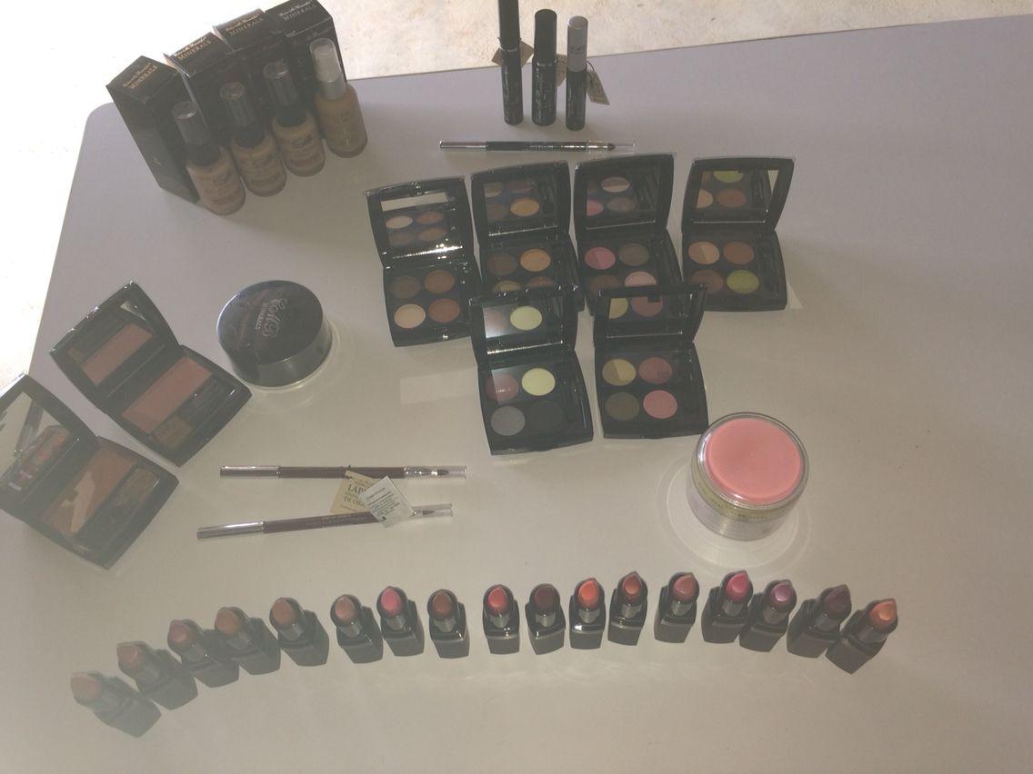 Aqui les presento una linea de productos de belleza desde todo lo referente al maquillaje hasta el cuidado de la piel