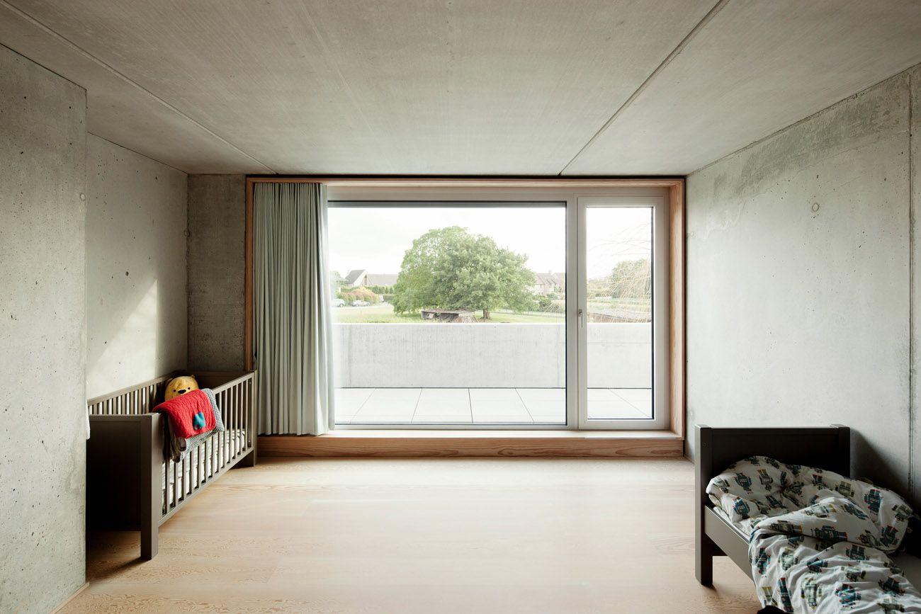 Liveable concrete shelter designed by i s - Amenagement bureau chambre d amis ...