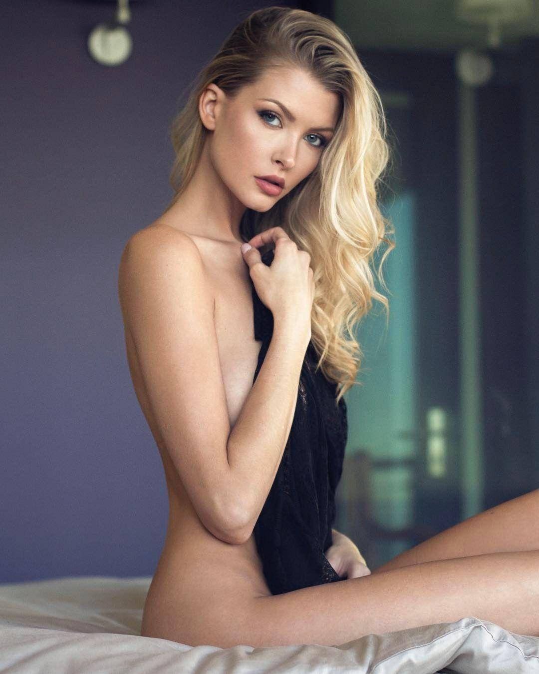 Erin Cummins photos