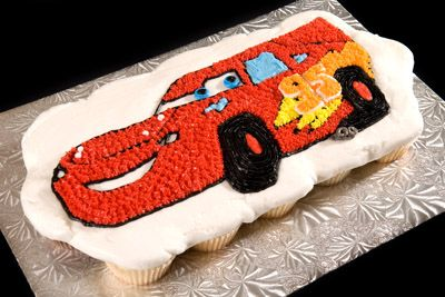 httpwwwcremedelacakesca Cars Lightning McQueen Cupcake Cake
