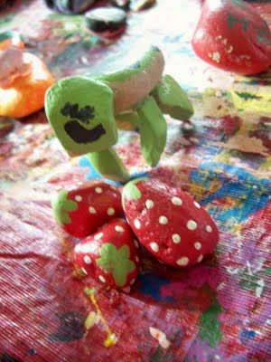 Take a rock walk, find fun rocks with interesting shapes, wash 'em and paint them into all sorts of fun designs! This a great kids activity.
