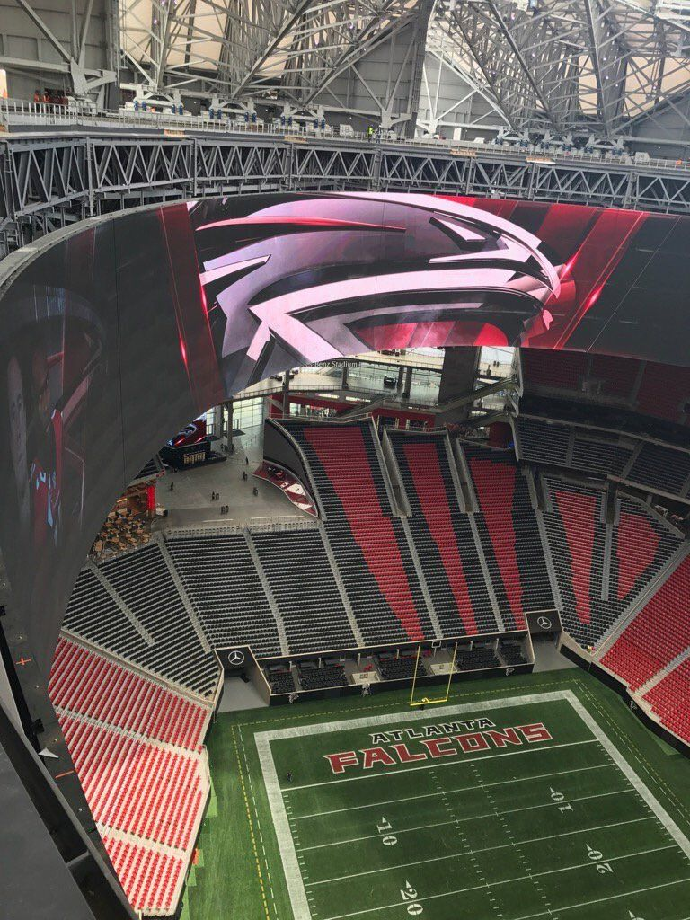 Ok This Is One Of The Best Pics Ever If Only The New Falcons Venue Had Real Grass Atlanta Falcons Football Atlanta Falcons Fans Falcons Football