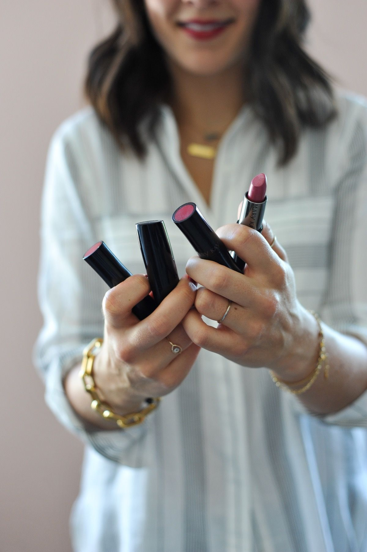 best Mary Kay lipstick colors, favorite red lipsticks - My Style Vita @mystylevita