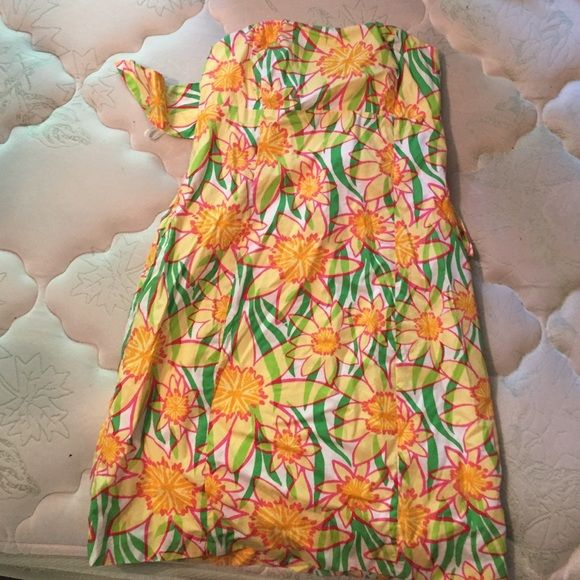 LILLY PULITZER TUBE TOP GIRLS DRESS Beautiful dress. Got it a few years ago when I could fit in it and has been sitting in my closet since. Lilly Pulitzer Dresses