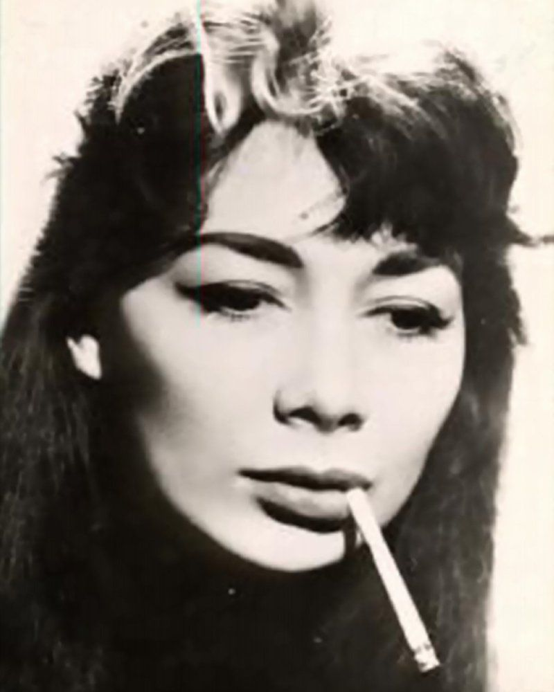 Stile Peplo Greco: Juliette Greco, French Singer Who Was In The Resistance