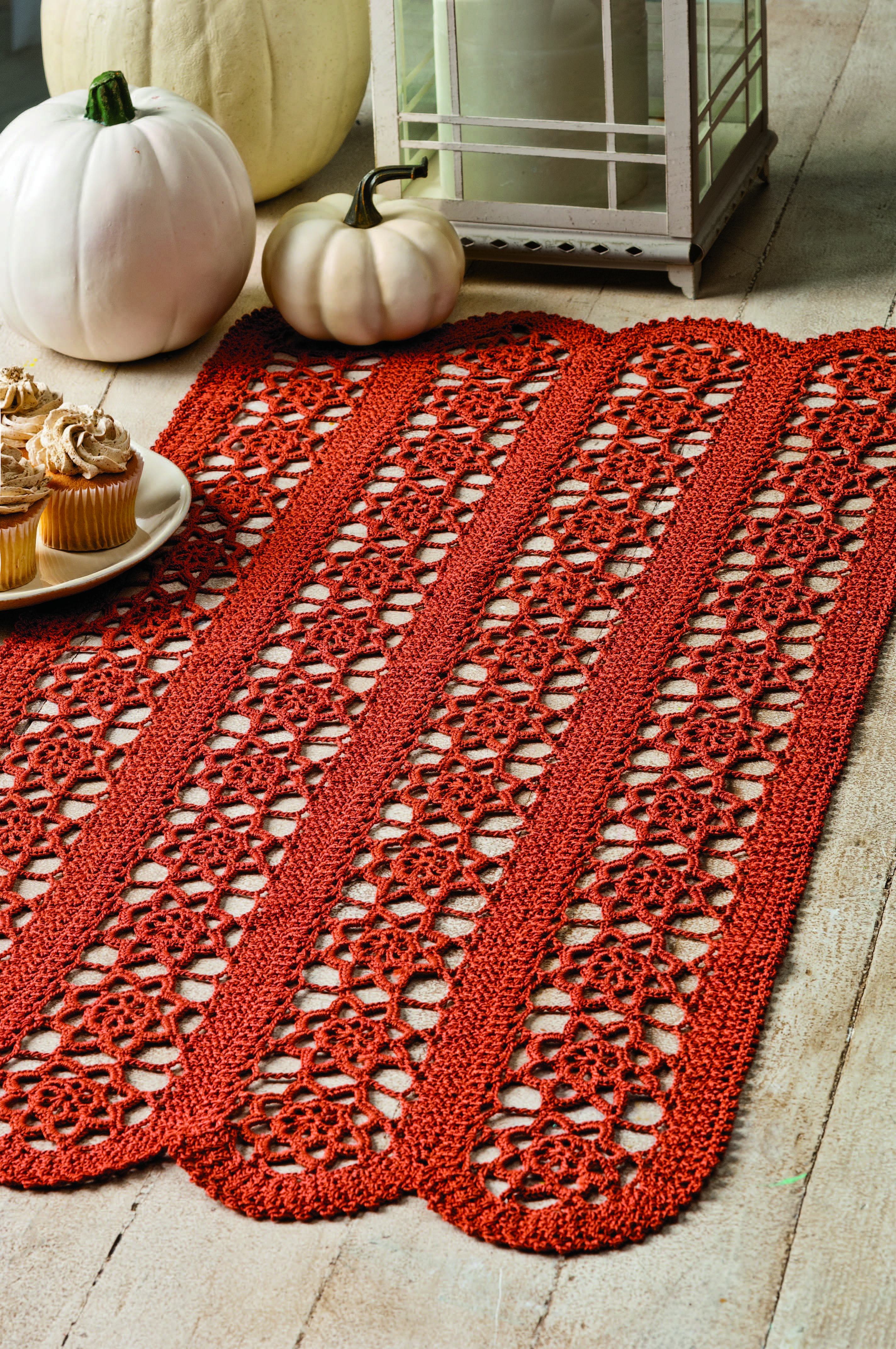 Scalloped Fall Runner in Aunt Lydia\'s Classic 10 from the October ...