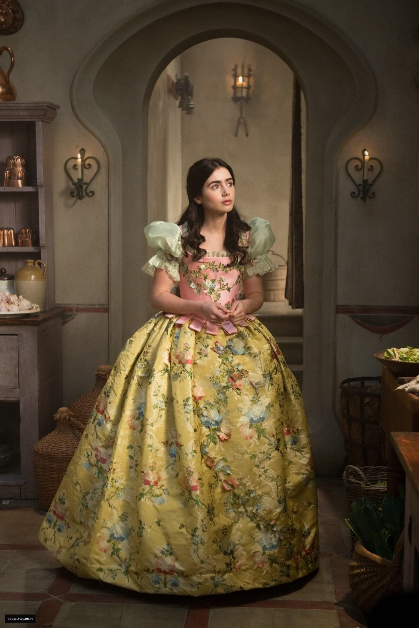 The first gown we see lily collins wear as snow white in for Mirror mirror cast