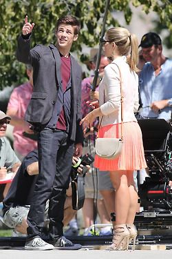 The flash shoots episode 4 in downtown vancouver canada with an the flash shoots episode 4 in downtown vancouver canada with an arrow crossover where grant gustin and emily bett rickards meet at a park where grant m4hsunfo Image collections