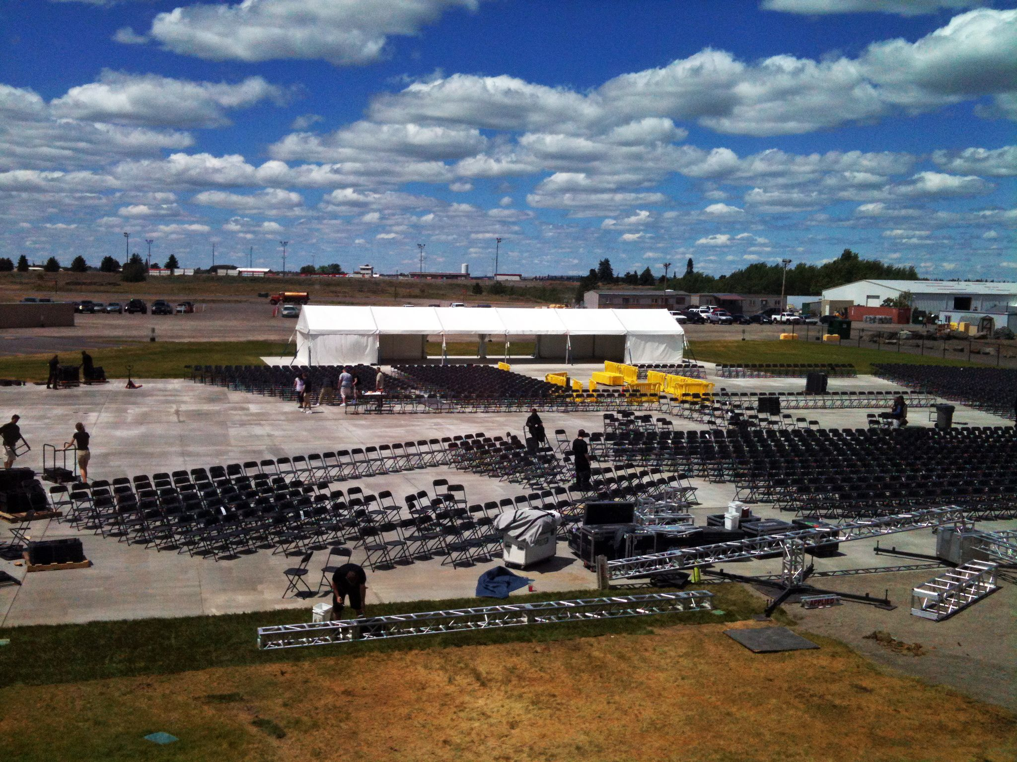 The Pepsi Outdoor Summer Concert Venue is ing along