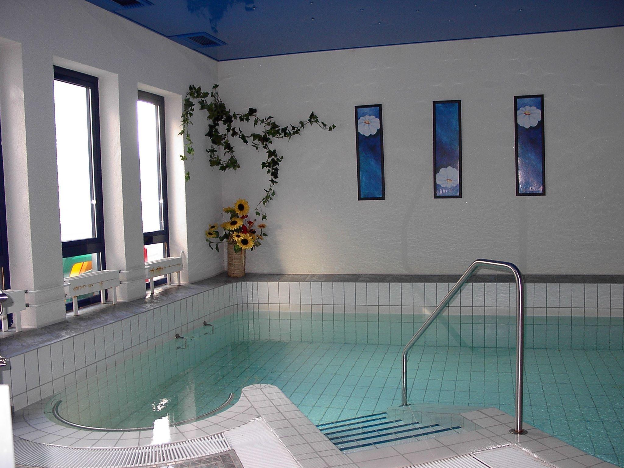 In Unserem Grosszugig Ausgestatteten Wellnessbereich Finden Sie Ihre Wohl Verdiente Entspannung Ein Schwimmbad Mit Gegenstromanlage Solarium Hotel Schwimmbader