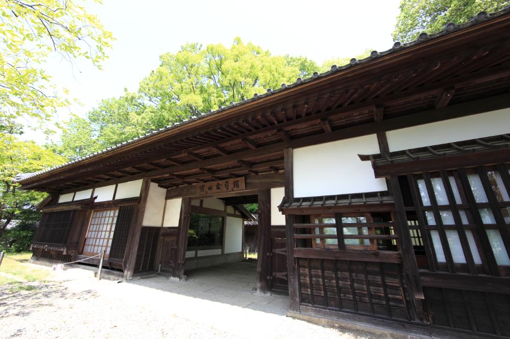 Maison Japonaise Traditionnelle Exterieur Avec Images Gratuites Maison Haute Mus E Chalet Propri T Idees Et House Home Hig Maison Haute Maison Japonaise Maison