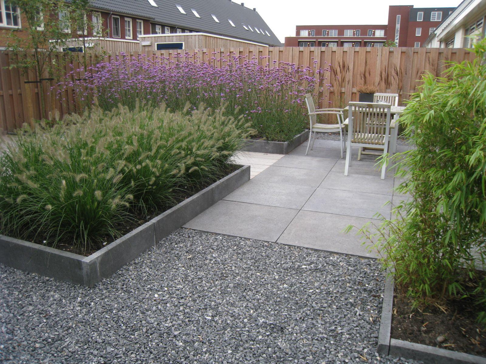 Grote Moderne Tuin : Strakke tuin moderne achtertuin tuinvoorbeelden kleine tuin