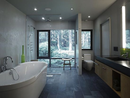 If only my bathroom had this view.