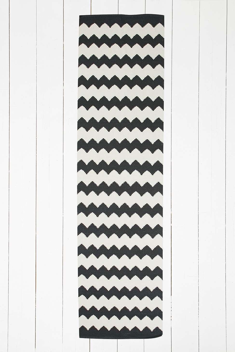 schwarzer teppich mit zickzackmuster 2 x 8 fu allg u pinterest schwarze teppiche. Black Bedroom Furniture Sets. Home Design Ideas