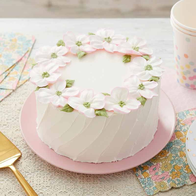 Dogwood Blossom Cake Recipe In 2020 Cake Petal Cake Cake Decorating