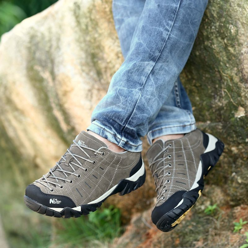 41ffa95d20b Top 10 Best hiking shoes for men 2018. Best hiking shoes for men ...