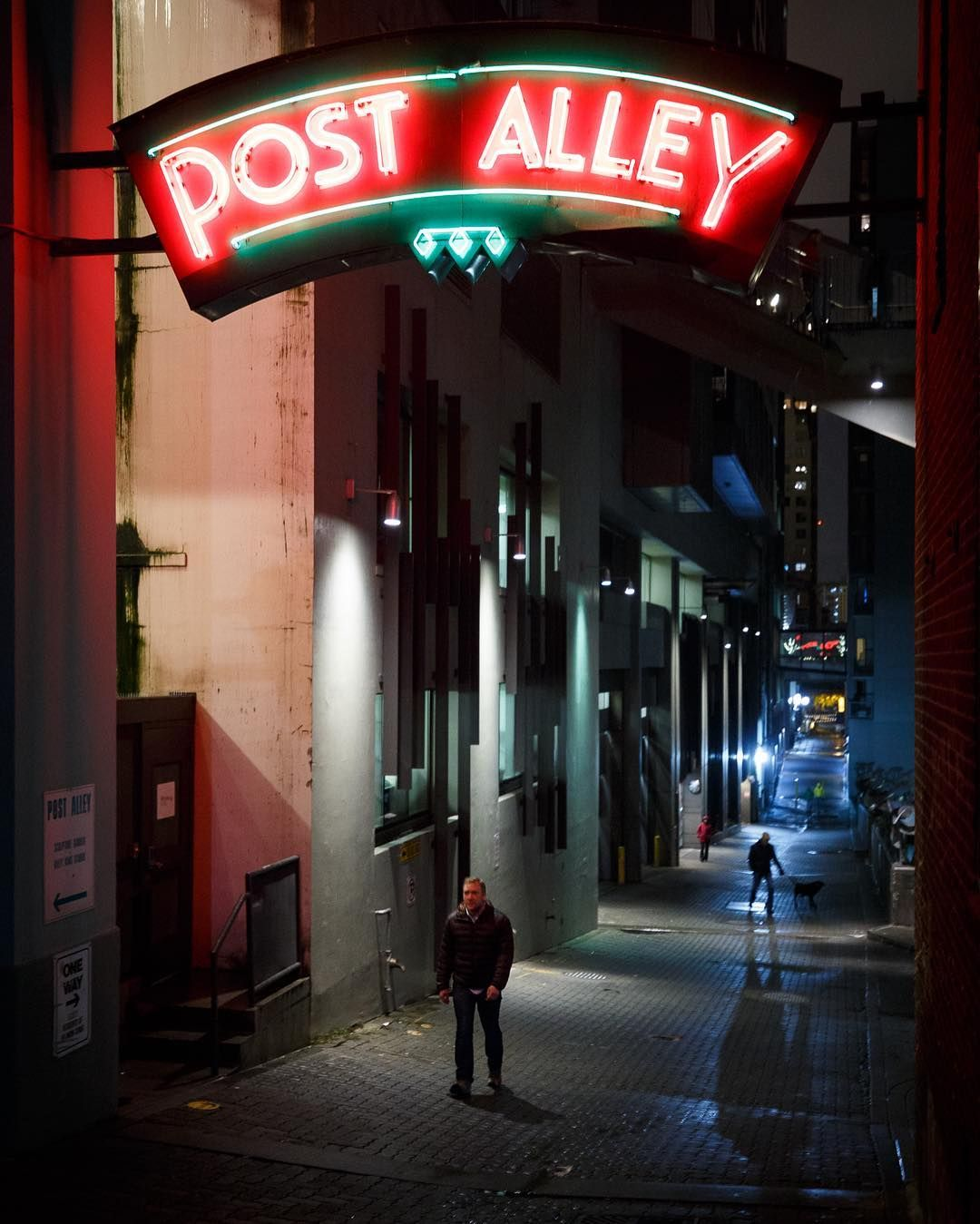 """""""Back Alley"""" Friday Night In Post Alley Home To Seattle's"""