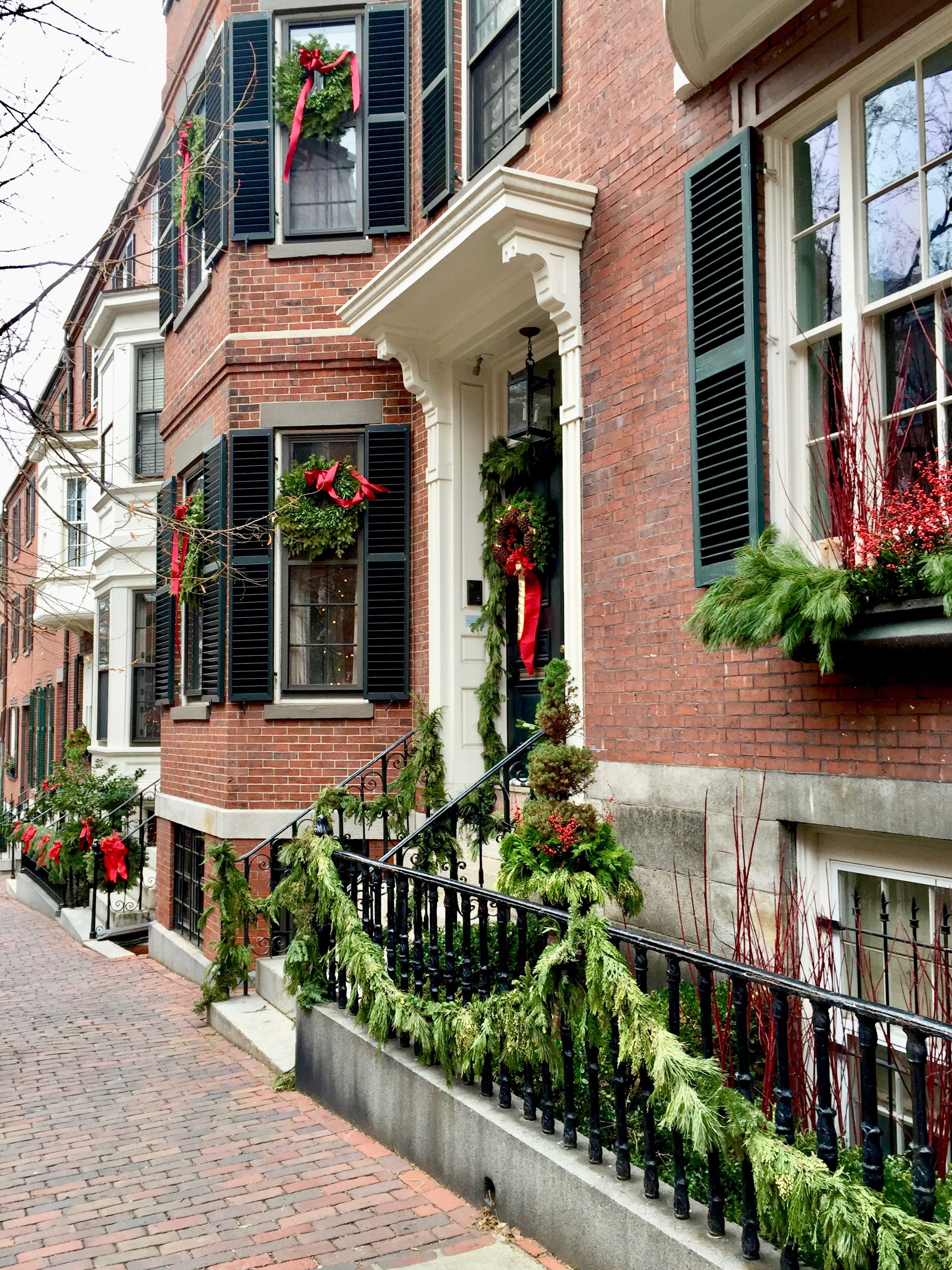 Astounding Christmas In New England Beacon Hill Boston Ma Home Interior And Landscaping Eliaenasavecom