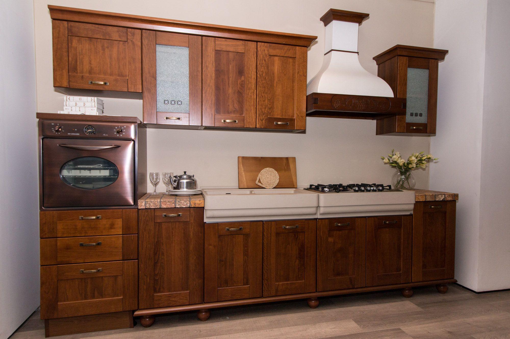 Erica - Cucina Lube Classica in esposizione presso il nostro ...