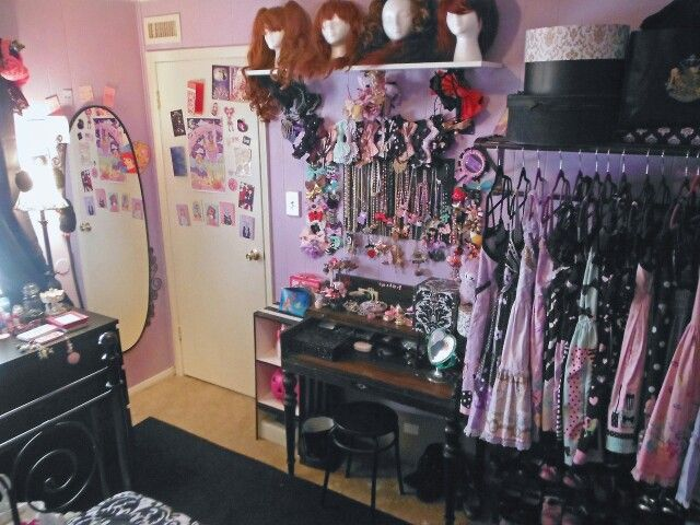 Make The Walls Dark Purple And Clothes Less Cutesy Please Pastel Goth Bedroom