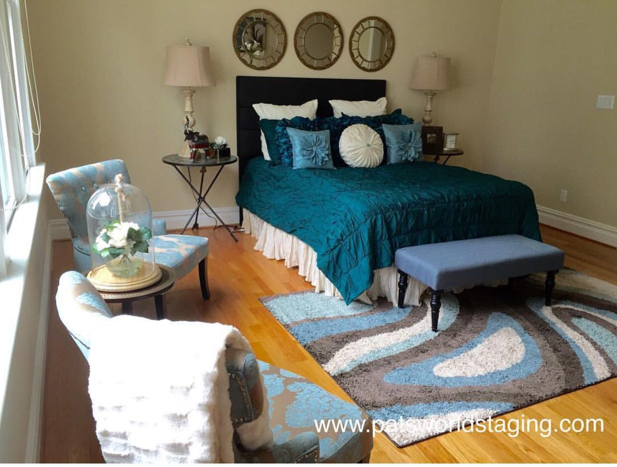 Master bedroom vs owners suite  Master Bedroom So love the blue  Home Staging to Sale  Pinterest