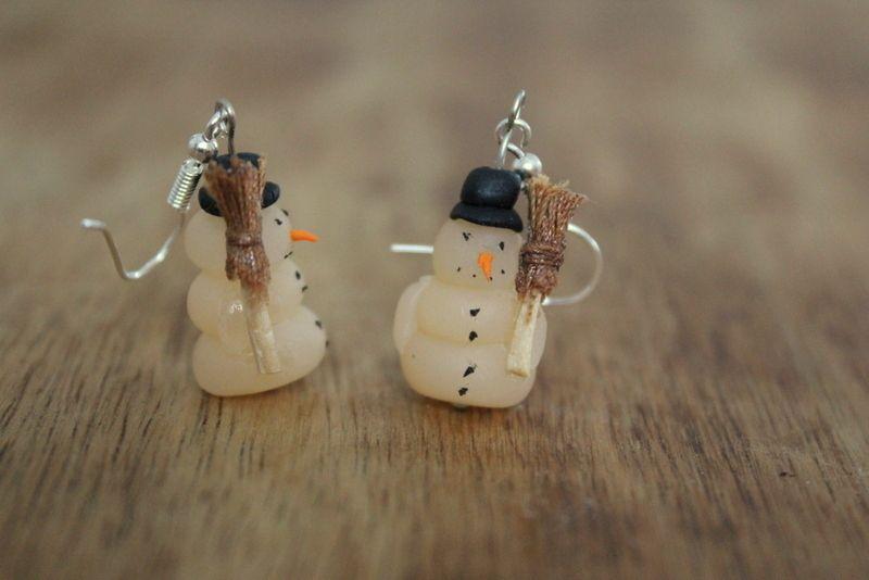 Schneemann Ohrringe aus Fimo von resiswerkstatt auf DaWanda.com