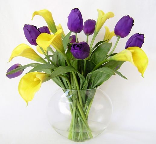 Purple triumph tulips yellow calla lilies this color purple tulip purple triumph tulips yellow calla lilies this color purple tulip cannot be guaranteed there is another shade of purple often available mightylinksfo