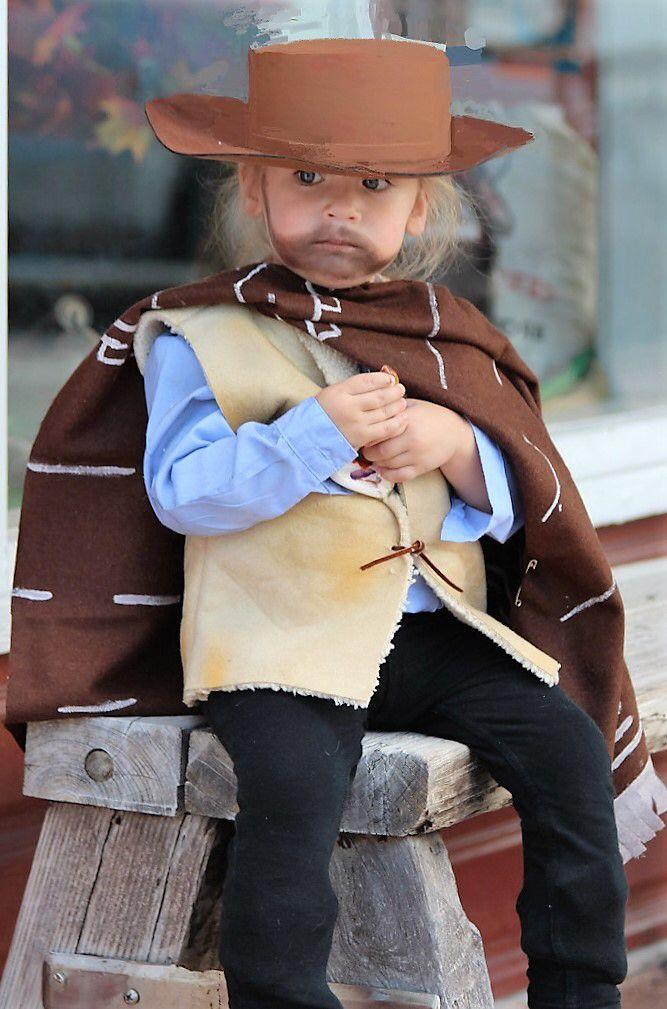 Clint Eastwood costume, cowboy, western