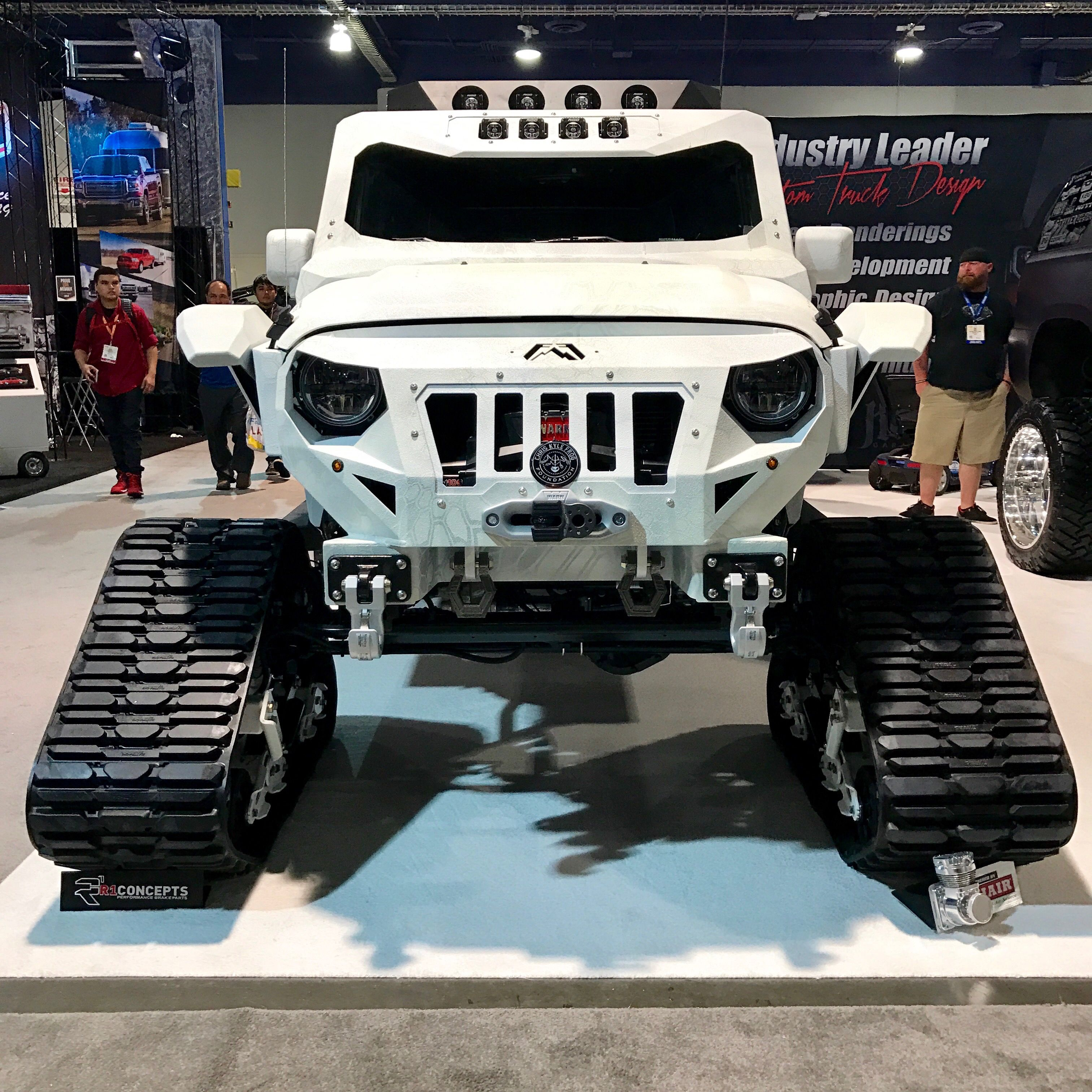 Mattracks On This Jeep With Killer Fabfours Grille And