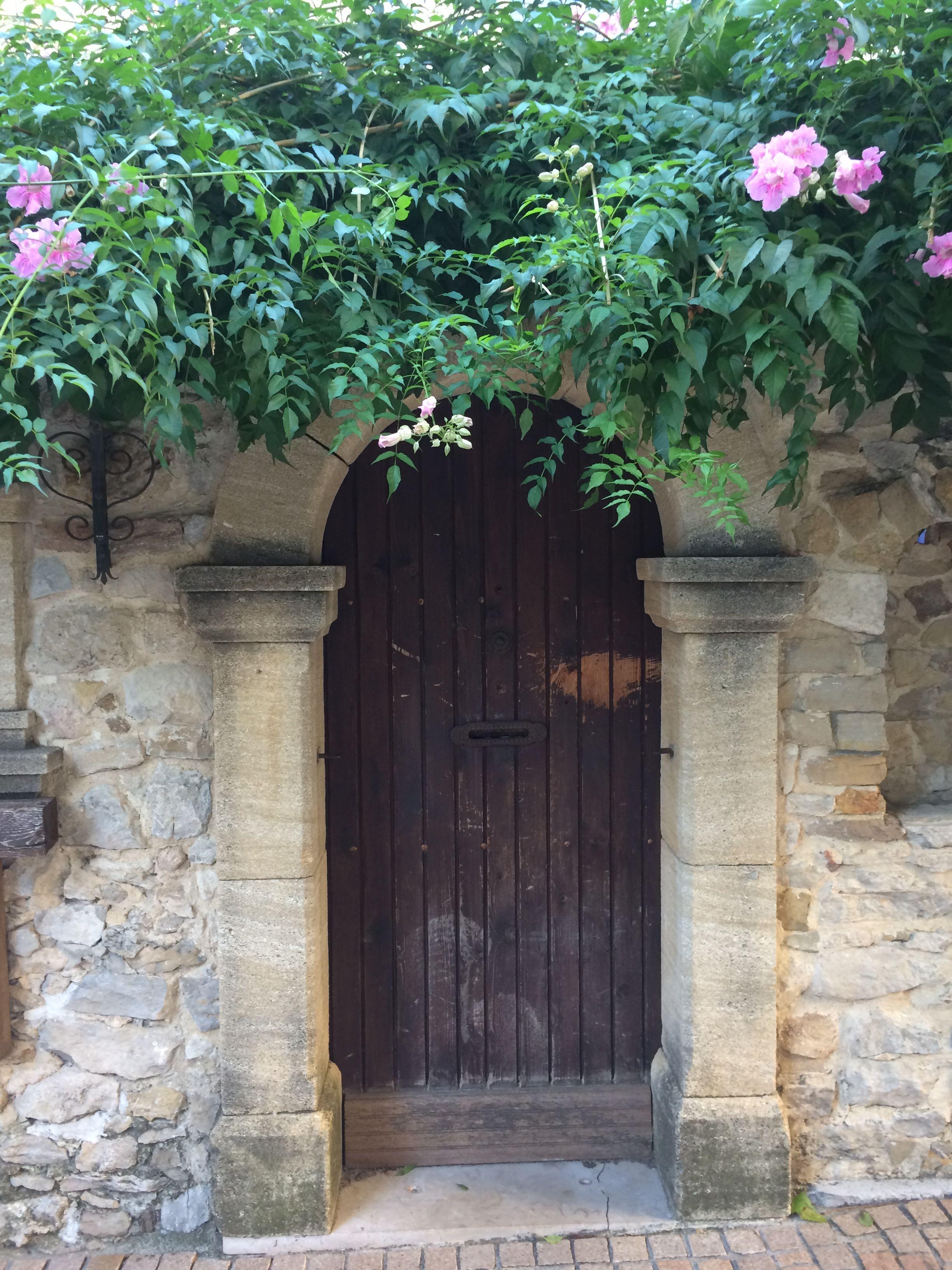 Le Castellet Franca Como E Bom Viajar Portas Janelas E Viajar