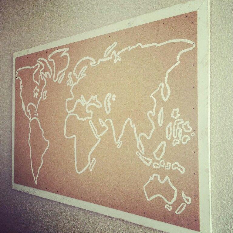 Mapa del mundo DIY con corcho y marco de madera de palet hecho por ...