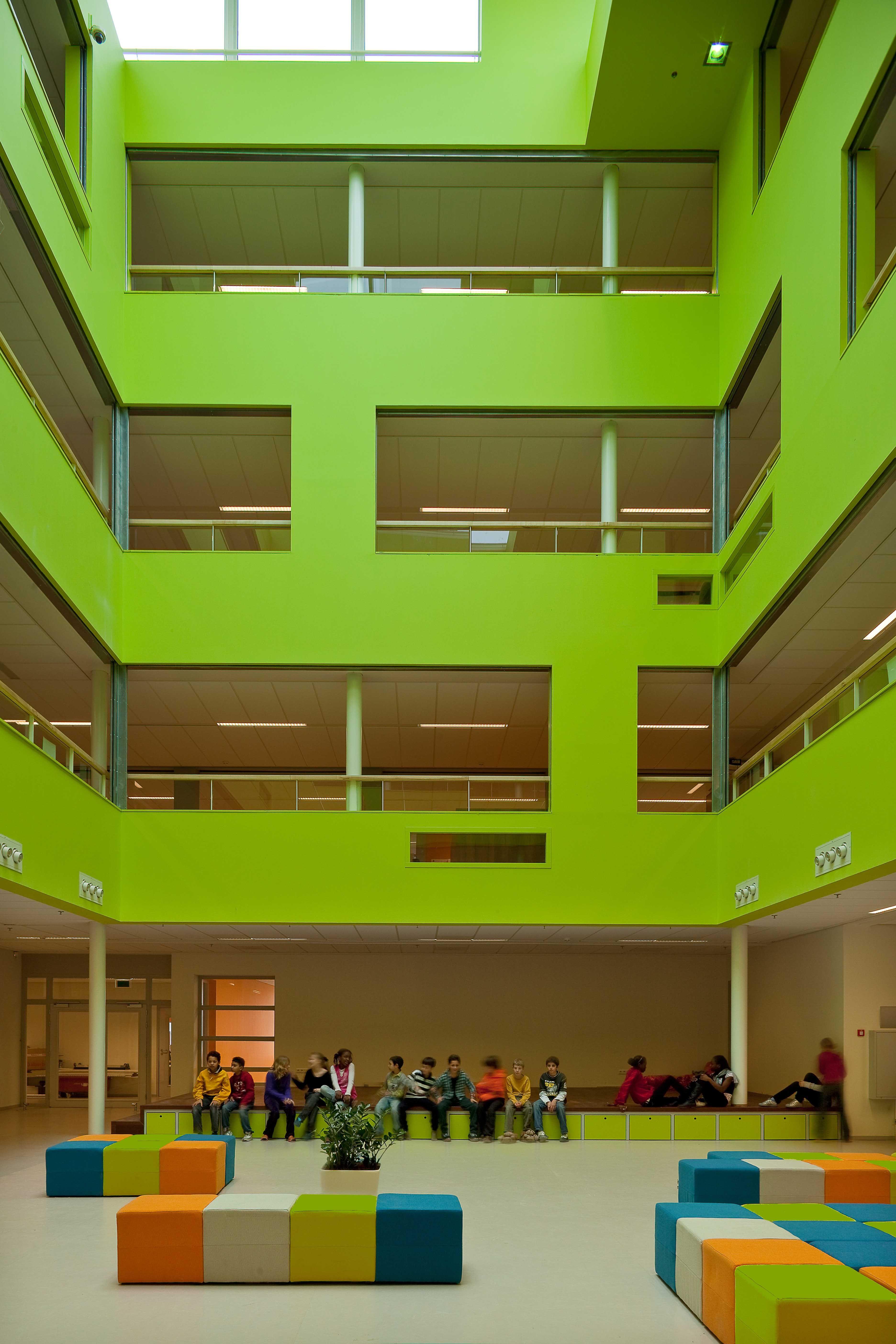 Transformation Community School Nieuwstraat In Rotterdam Netherlands
