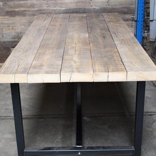 Table Jorah En Poutres De Sapin Anciennes For Me Lab En 2020 Poutre Table Mobilier De Salon