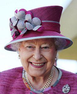 Queen Dedicates Namesake Canal #queenshats