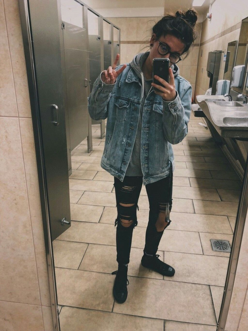 Tomboy Outfits Swag Tomboy Outfits In 2020 Tomboy Style Outfits Tomboy Fashion Lesbian Outfits
