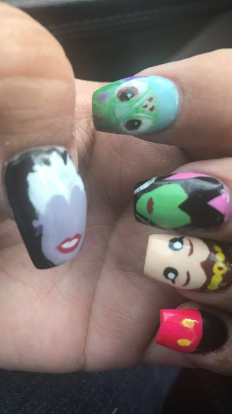 Disney inspired nails for our Disney Family vacation! Nail art ...