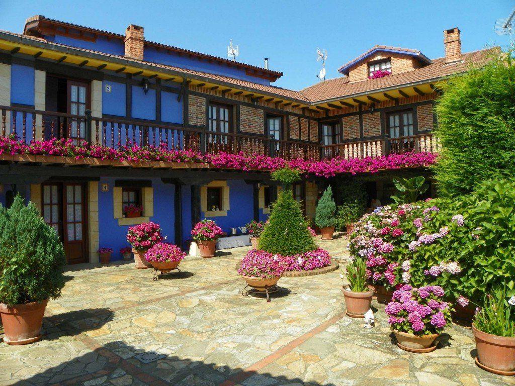 La Posada Gema Es Un Alojamiento Rural En Cantabria Situado En Un Auténtico Remanso De Paz Y Tranquilidad Lejos De Ruidos Y T Casas Rurales Casas Hotel España
