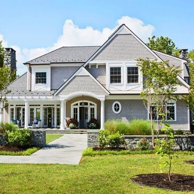 All White And Blue Gorgeous House Inspiring Interiors Hamptons Style Homes Gorgeous Houses Shingle Style Homes